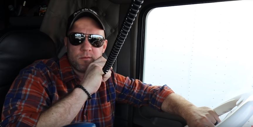 Can walkie talkies communicate with cb radios